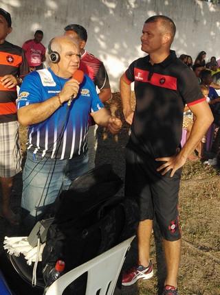 Marcinho exerce a função de treinador no Moto Club em jogo no interior (Foto: Divulgação / Waldemir Rosa )