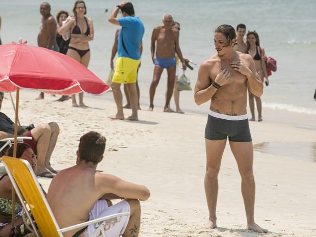 Modelo de cueca? Será que a carreira de Robertão vai decolar? (Foto: Inácio Moraes/Gshow)