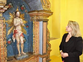 A curadora da mostra, Ângela Gutierrez (Foto: Cíntia Paes/G1)
