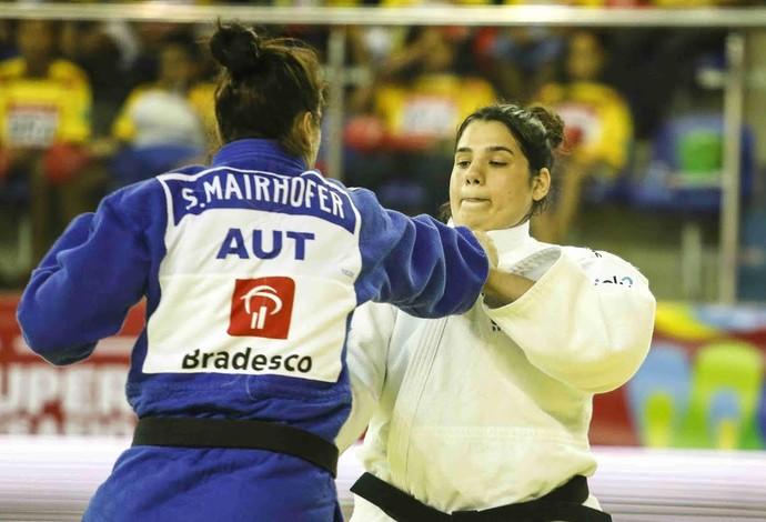 Camila Gebara lutará pela primeira vez em casa pela seleção (Foto: Divulgação/CBJ)
