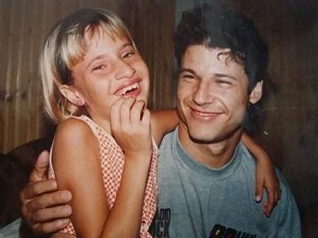 Adrielle Brito Cavalari se encontrou com Dinho, em 1996, em Dracena (Foto: Adrielle Brito Cavalari/Arquivo Pessoal)
