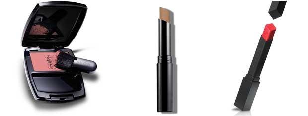 Ideal Luminous Blush Compacto - Pêssego; Batom Color Precise - Vermelho Certeiro e Ideal Face Corretivo em Bastão - Mel (Foto: Divulgação)
