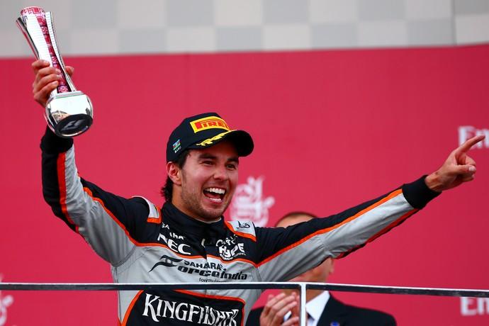 Sergio Pérez comemora pódio no GP da Europa (Foto: Getty Images)