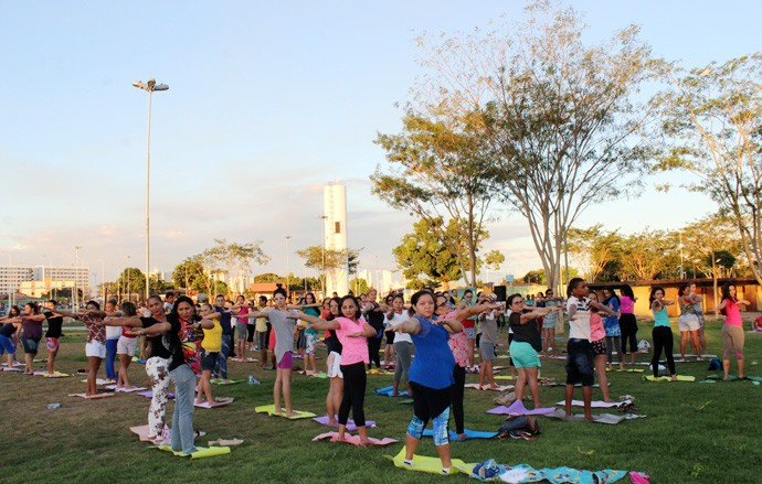 Aulão de yoga fez o pública relaxar e viver uma nova experiência (Foto: Katylenin França/Gshow)