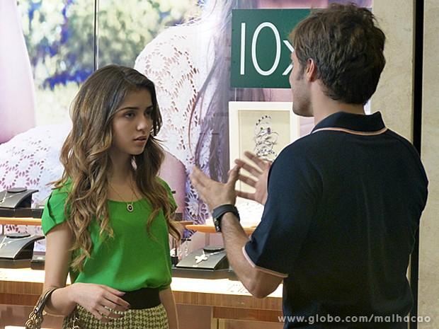Flaviana fica chocada ao saber dos planos de Martin (Foto: Malhação/TV Globo)