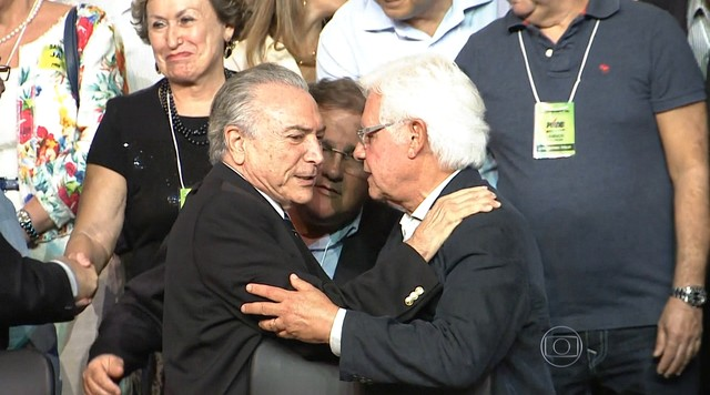 PMDB reconduz Michel Temer à presidência do partido