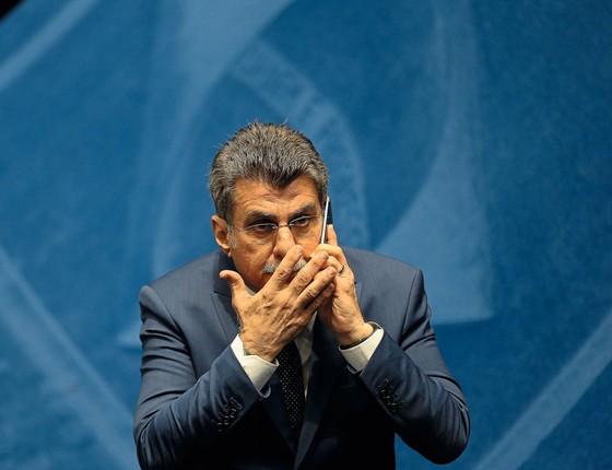 O senador Romero Jucá.Ele propôs uma emenda constitucional que reduziria o alcance das investigações (Foto: Alan Marques/Folhapress)