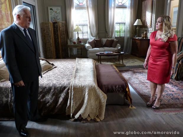 César pede o divórcio (Foto: Amor à Vida / TV Globo)