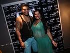 Ellen Cardoso mostra barrigão da gravidez em show de Naldo