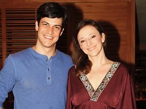 Mateus Solano ao lado da esposa, Paula Braun (Foto: Gabriela / TV Globo)