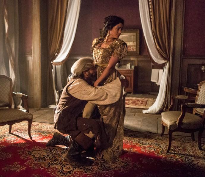 Mão de Luva joga seu charme para selena, quese preocupa com a chegada do noivo (Foto: Felipe Monteiro/Gshow)