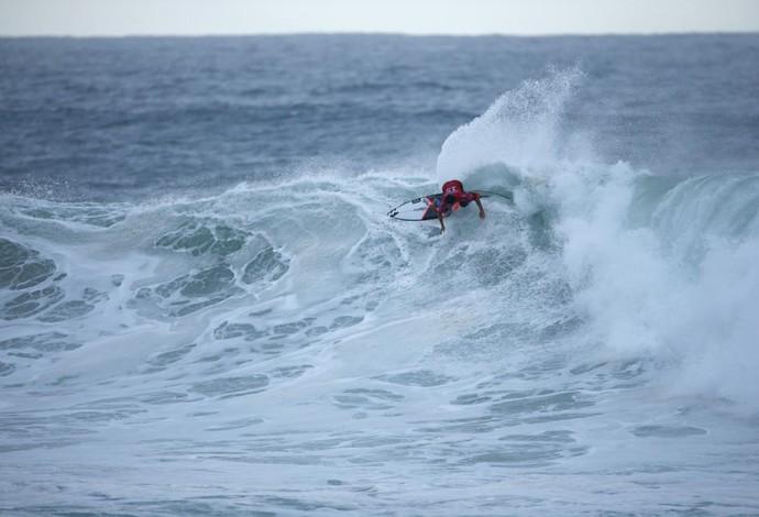 Italo Ferreira domina espuma e consegue virada no fim para avançar à terceira fase em Bells Beach (Foto: WSL / Ed Sloane)