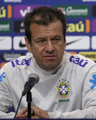 Dunga entrevista coletiva seleção brasileira (Foto: Lucas Figueiredo / MoWA Press)