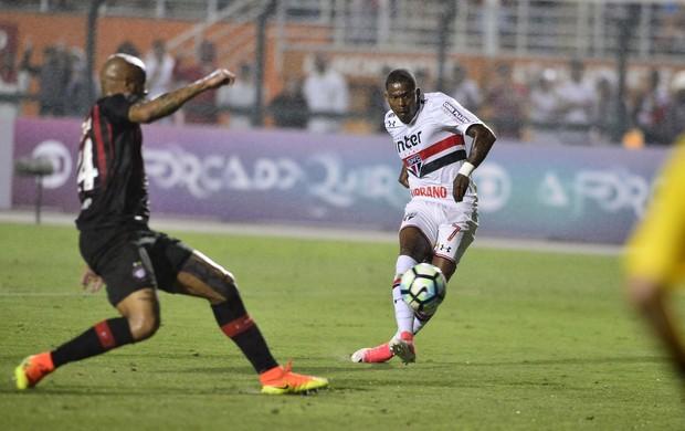 São Paulo x Atlético-PR Maicosuel