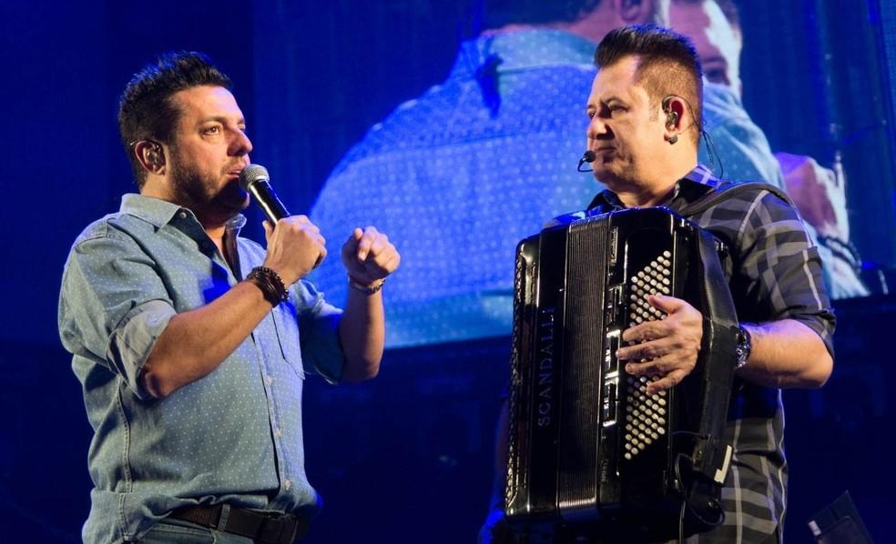 Bruno e Marrone se apresentam na Expoagro (Foto: Fenamilho/Divulgação)