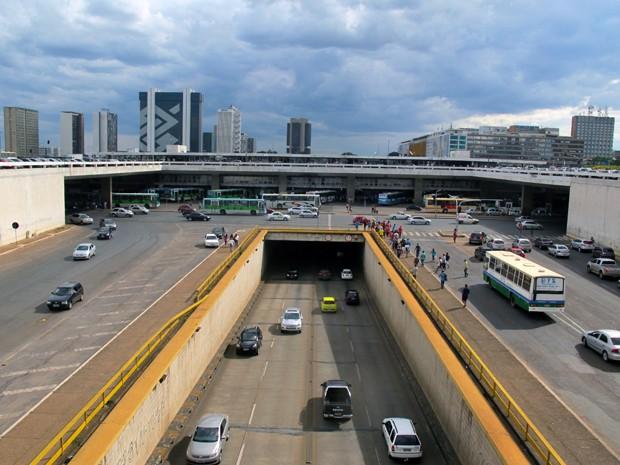 Vista do lado norte do túnel conhecido como 'Buraco do Tatu', em Brasília (Foto: Jamila Tavares / G1)