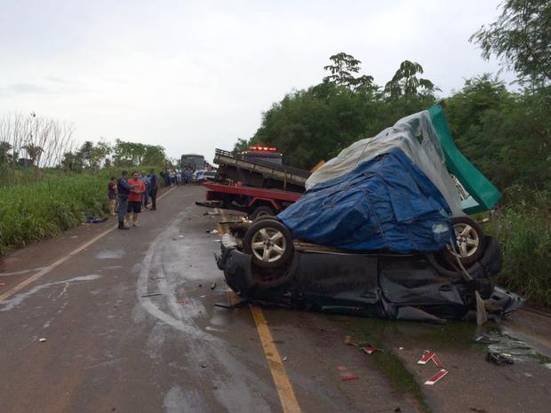 Acidente na MT-358 provocou a morte de duas pessoas (Foto: Cristiano Gomes/TVCA)