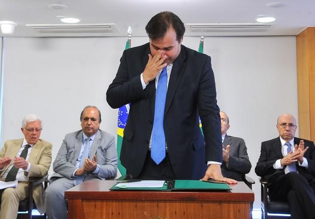 Rodrigo Maia chora ao homologar acordo de recuperação fiscal do Rio (Foto:  JBatista/Camara dos Deputados Doação)