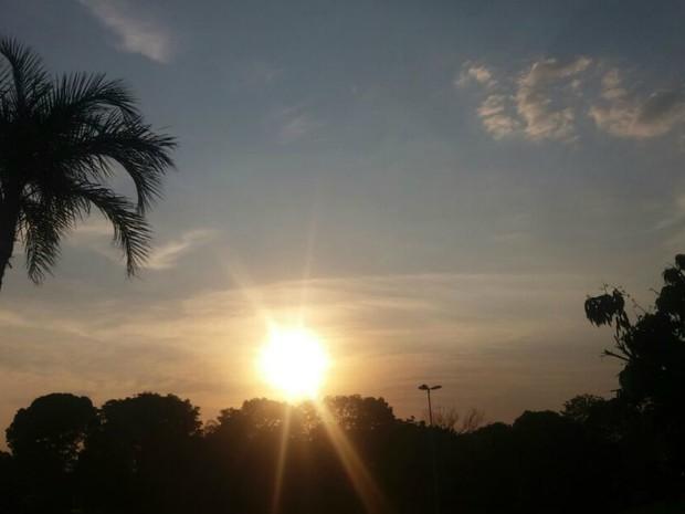 Sol predominou nesta sexta-feira em Campo Grande (Foto: Carla Salentim/G1 MS)