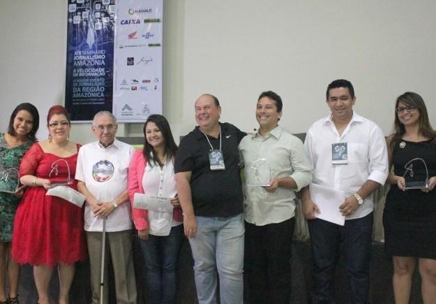 Vencedores do Prêmio Milton Cordeiro de Jornalismo 2013 (Foto: Marcos Dantas/ G1 AM)