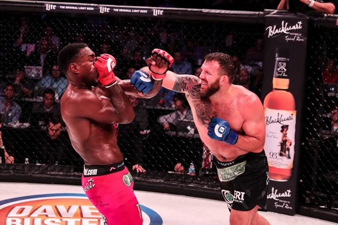 Ryan Bader x Phil Davis Bellator 180 (Foto: Bellator MMA / Lucas Noonan)