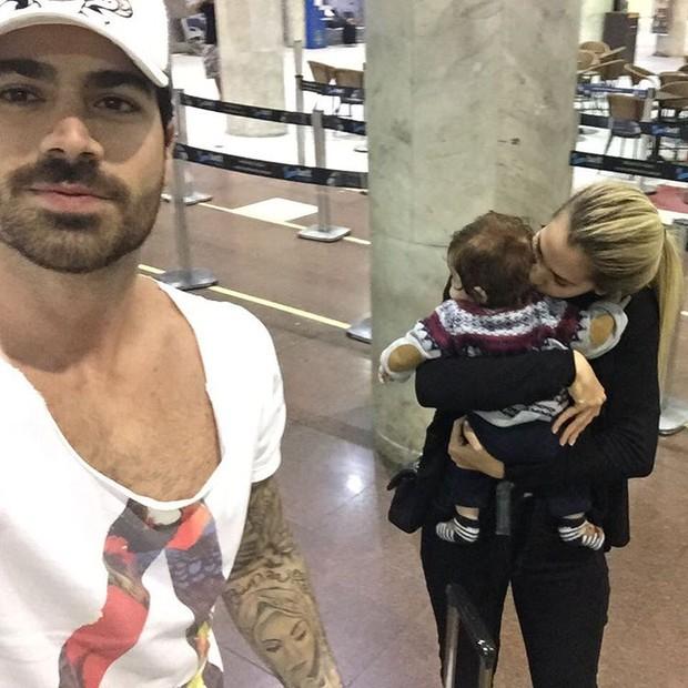 Adriana Sant'Anna, Rodrigão e o filho (Foto: Reprodução / Instagram)