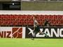 Depois de gol contra, Ceará reage, goleia CRB fora de casa e entra no G-4