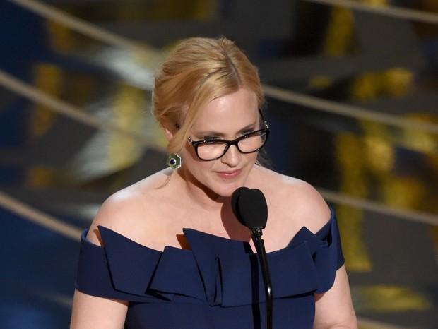 A atriz Patricia Arquette, em cerimônia do Oscar, em 2016. Ela briga pela equiparação salarial em Hollywood (Foto: Getty Images)