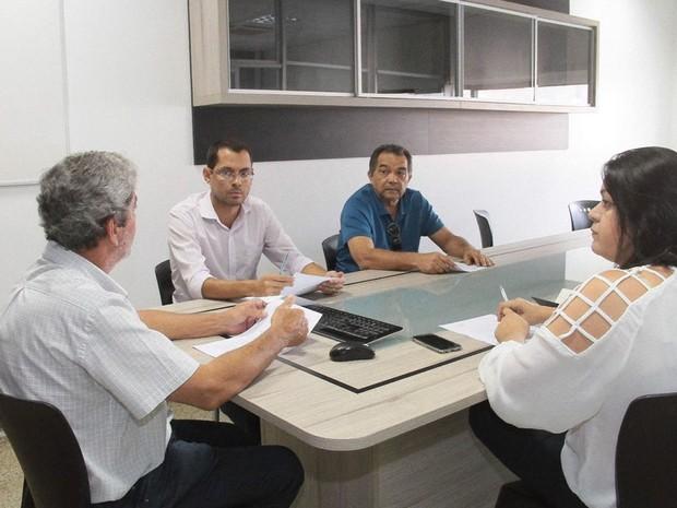 Direção de jornalismo da TV Mirante define detalhes do debate do 2º turno de eleições em São Luís, MA (Foto: Biaman Prado/O Estado)