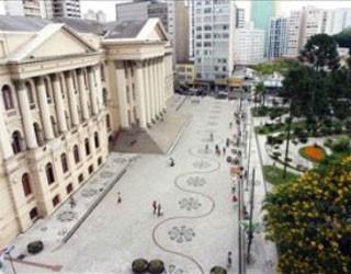 Paraná TV 1ª Edição (Foto: Cesar Brustolin/SMCS/Divulgação)