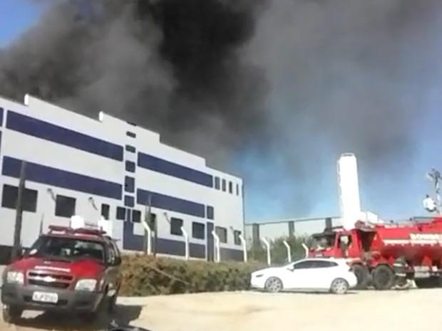 Telespectadora fez imagens do incêndio (Foto: Elisângela Ottani/TEM Você)