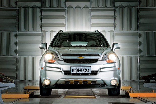 Captiva oferecia motor V6 e concorria com o Honda CR-V, Kia Sportage e Hyundai Tucson (Foto: Autoesporte)