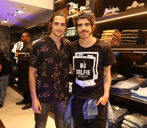 Gabriel Leone e Caio Castro (Foto: Anderson Borde/AgNews)