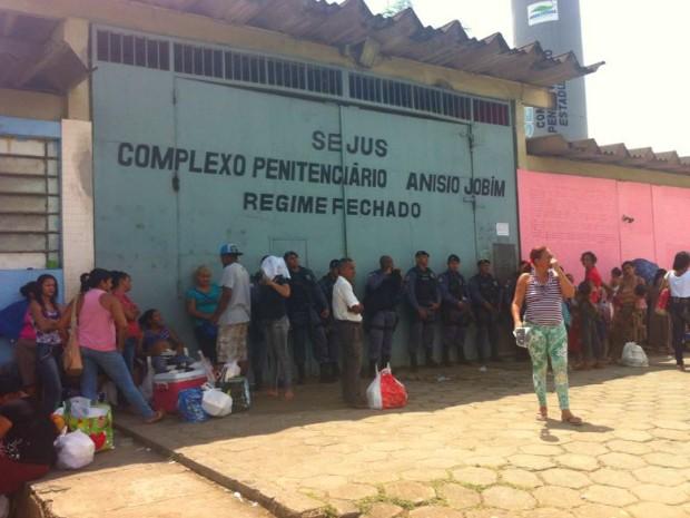 Presos fugiram do Compaj durante a madrugada deste sábado (Foto: Patrick Motta/Reprodução Rádio Amazonas FM)