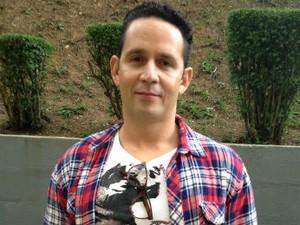 O diretor Aly Muritiba estava gravando em um presídio quando recebeu a notícia da indicação (Foto: Thais Kaniak G1 PR)