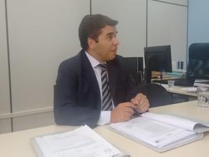 Promotor Luciano Sotero deu início as investigações há 10 dias (Foto: Diego Souza/G1)