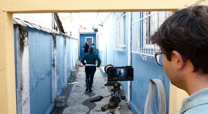 João Paulo Miranda grava as ideias dos curtas tudo em câmera de celular  (Foto: reprodução EPTV)