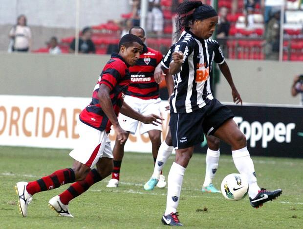 Ronaldinho gaucho atlético-mg eatlético-go (Foto: Paulo Fonseca / Agência Estado)