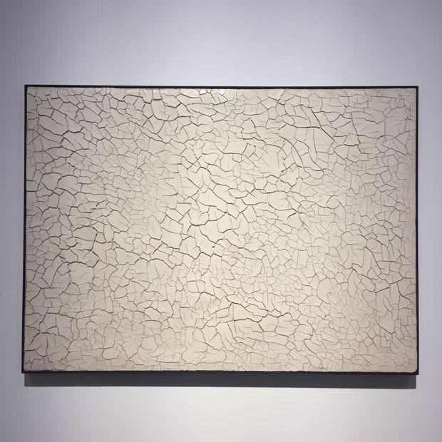 Também na galeria Tornabuoni Art, quadro de Alberto Burri (Foto: Taissa Buescu)