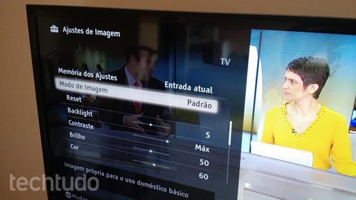 Ajustes as configurações de sua TV (Foto: Felipe Alencar/TechTudo)