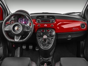Interior do Fiat 500 Abarth (Foto: Divulgação)