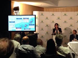 Solange Guedes, diretora de exploração e produção fez apresentação (Foto: Mariane Rossi / G1)