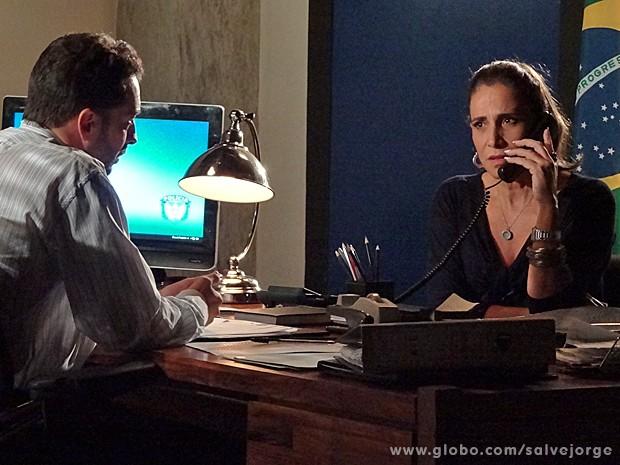 Wanda se assusta com a ameaça de Lívia (Foto: Salve Jorge/TV Globo)