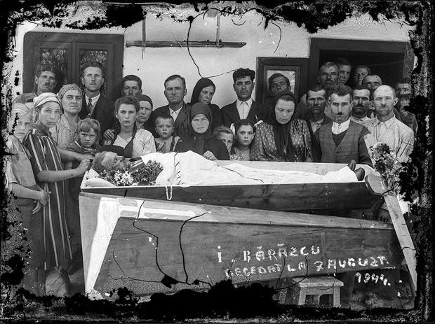 Imagem digitalizada do arquivo de Costică Acsinte (Foto: Costică Acsinte Archive)