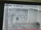 Vídeo flagra assaltantes invadindo casa na Zona Norte de Macapá; veja