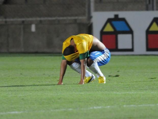 marcos junior brasil x uruguai (Foto: AP)