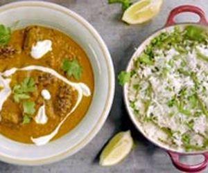 Kafta de carne moída com molho curry