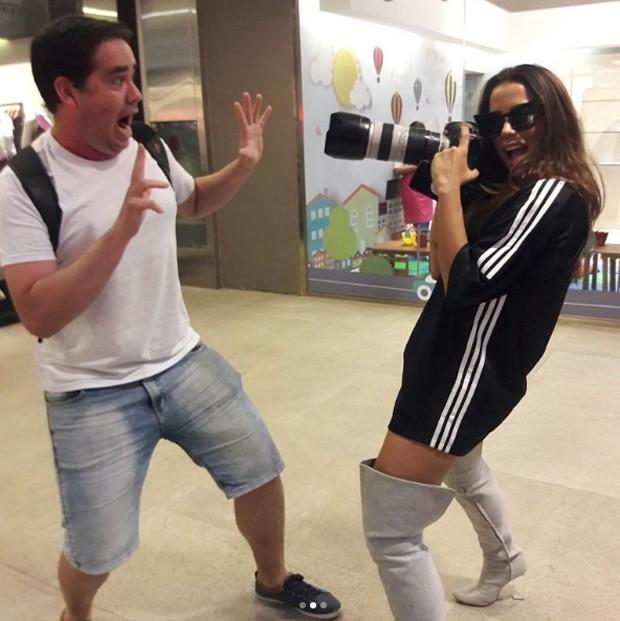 Anitta e paparazzo' (Foto: Reprodução/Instagram)