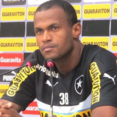 Airton Coletiva Botafogo (Foto: Fred Huber)
