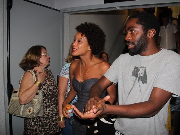 Taís Araújo e Lázaro Ramos em teatro na Zona Sul do Rio (Foto: Rogério Fidalgo/ Ag. News)